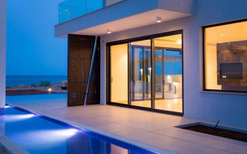 Luxurious Detached Villa in Ayia Thekla Area