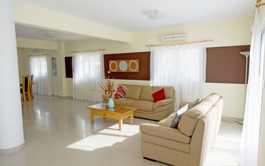 Three Bedroom Villa in Nissi Beach Area